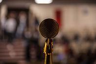 Крупным планом изображение микрофона