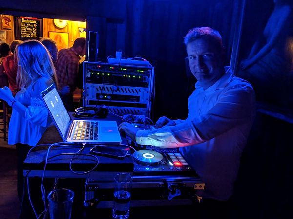 dj-hochzeit-party -parties-event-stade