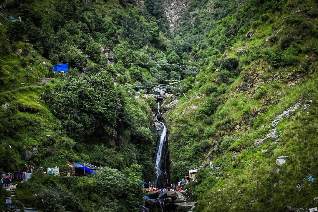 bhagsu nag waterfall