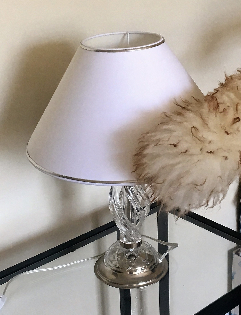 Dry cleaning of lampshade