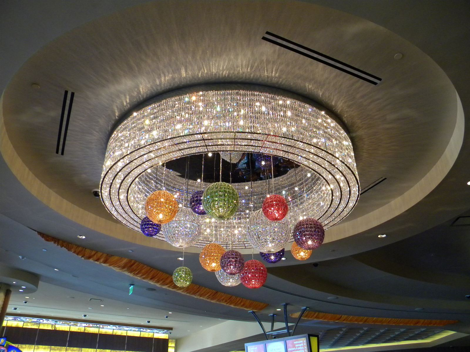 Preciosa_Lighting_Philadelphia_Park_Casino_2010_interior_berkana usa_beautiful crystal pendants
