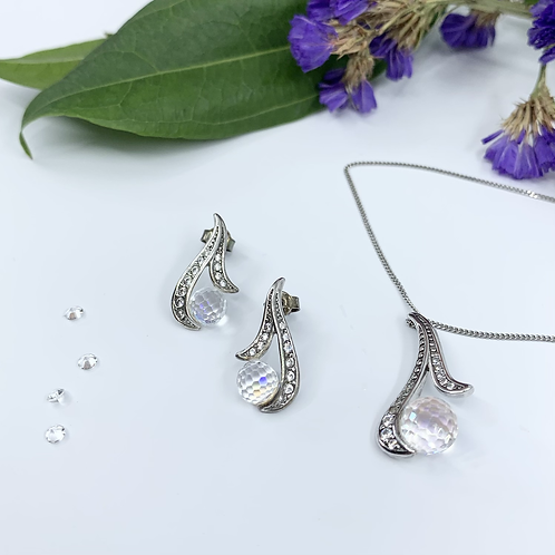 Silver jewelry set of the earrings and pendant for women hypoallergenic
