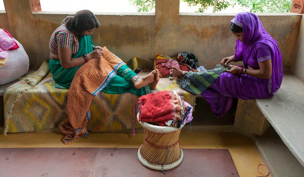woman artisans in jaipur.jpg