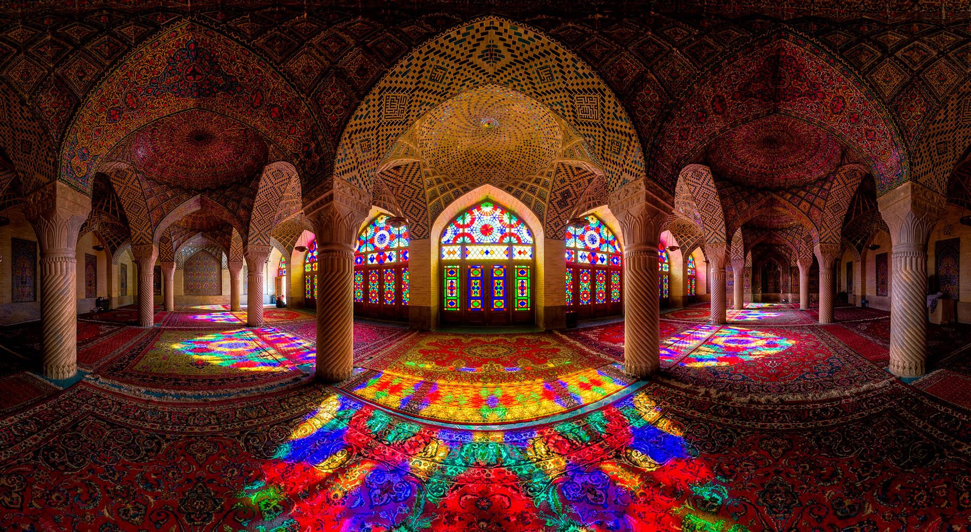 Nasir-Al-Mulk-Mosque.jpg