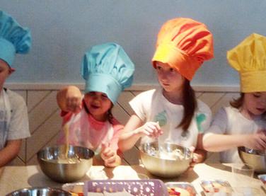 Английский класс по приготовлению шарлотки