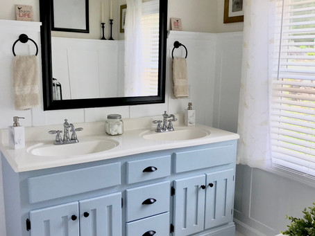 """Our """"New"""" Old Bathroom"""
