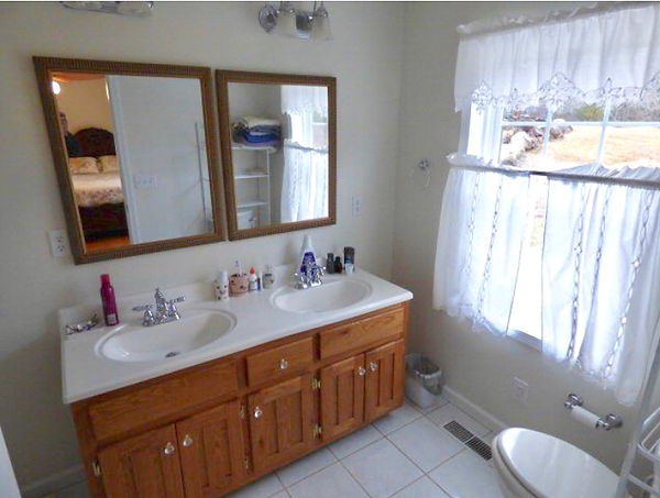 Bathroom before.jpg