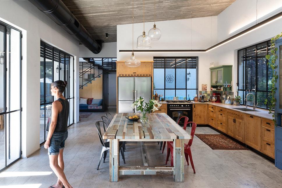 5 מטבח מהסלון 2012 בלי בלון.jpg