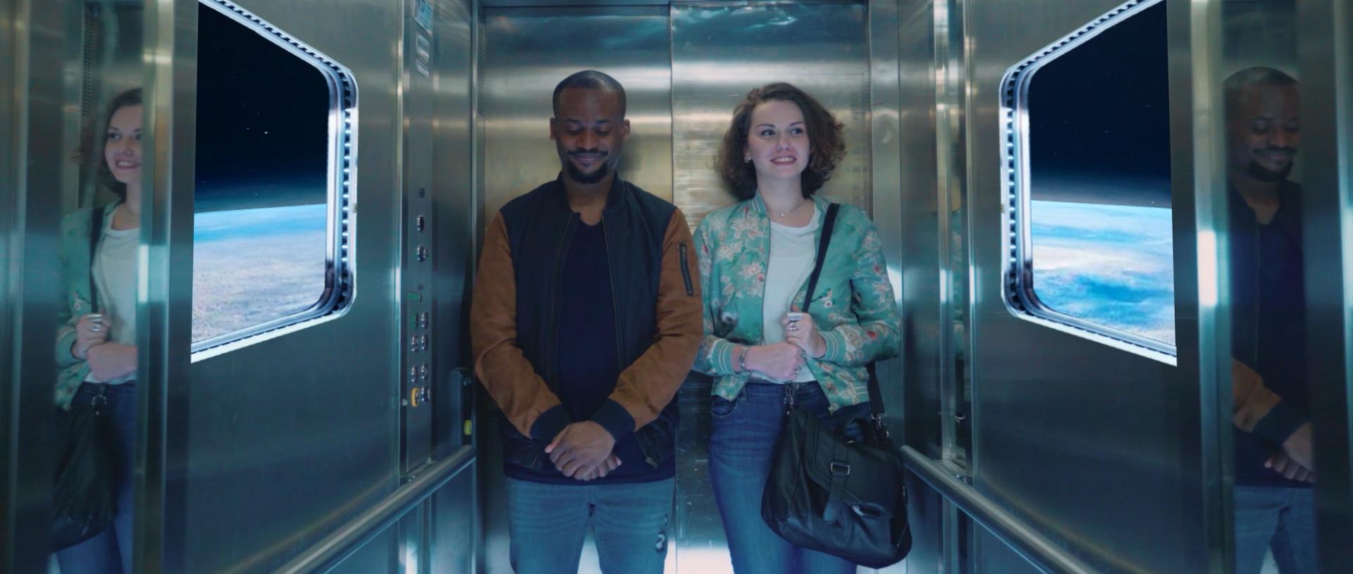 L'ascenseur_dans_l'espace_Pot_ou_pipot_J
