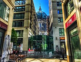 Берлинский собор, Берлин гид, дешёвая экскурсия в Берлине, недорогая экскурсия по берлину, гид по берлину, экскурсия в берлине, лучшие экскурсии по берлину, достопримечательности берлина, групповая экскурсия в берлине, берлин гид экскурсия, гид берлин экскурсия, тур в берлин, рейхстаг, экскурсия по рейхстагу, флаг над рейхстагом