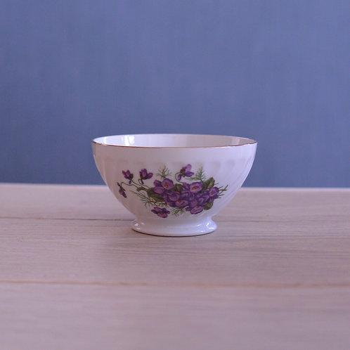 *フランスアンティーク*サルグミンヌ スミレの花が描かれた小さなカフェオレボウル