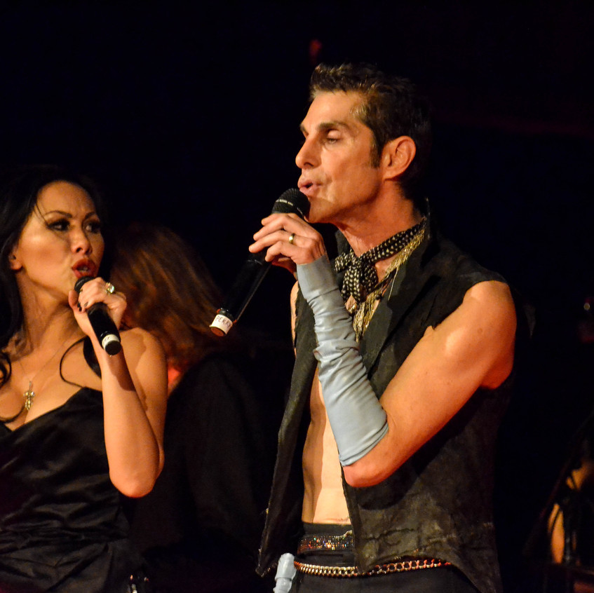 Perry Farrell  (37)