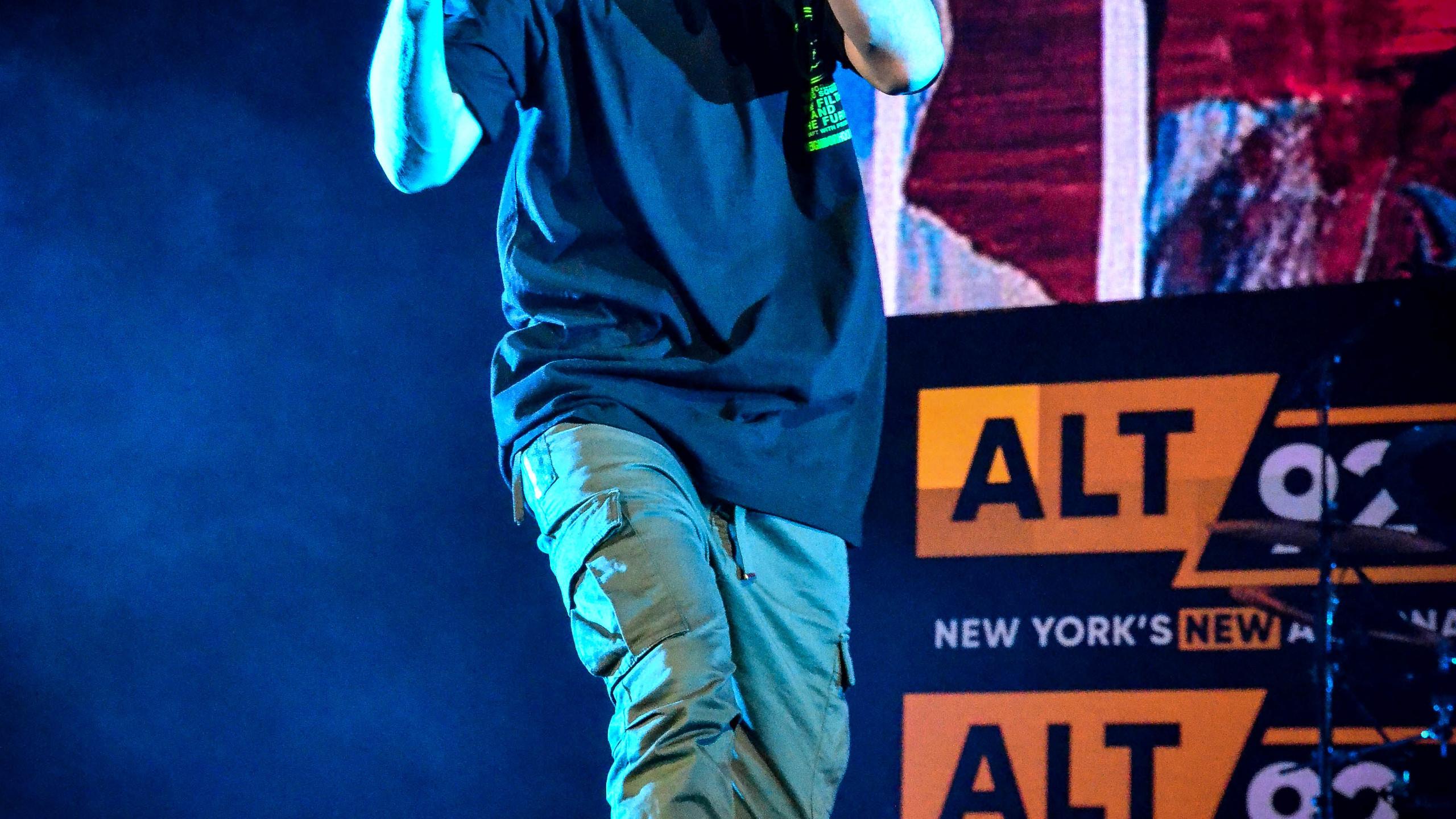 Mike Shinoda (16)