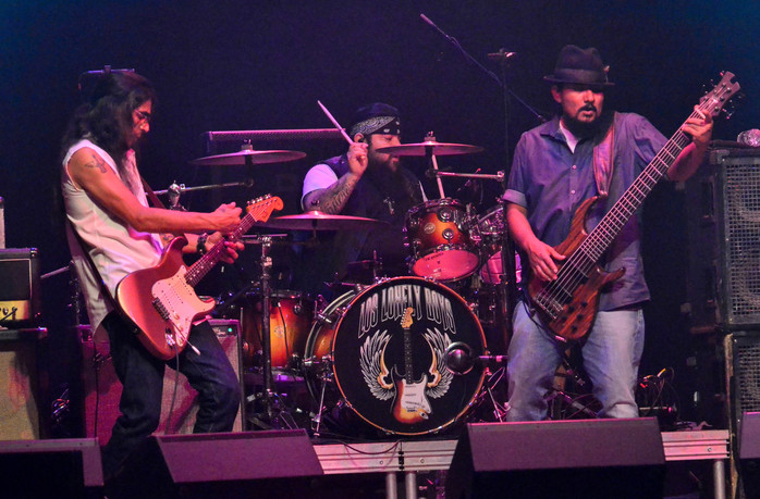 Los Lonely Boys with the Gary Douglas Band at The Space at Westbury