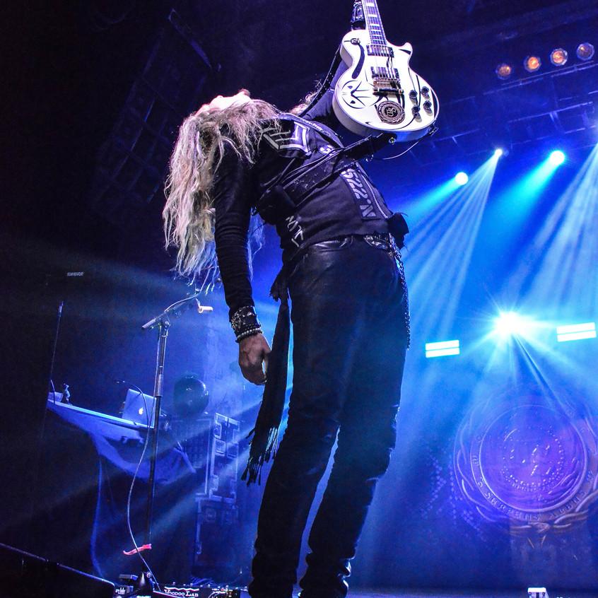 Whitesnake (100)