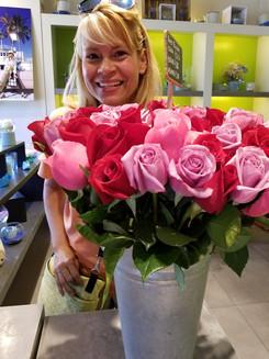Janet in a Flower shop in Milano.jpg
