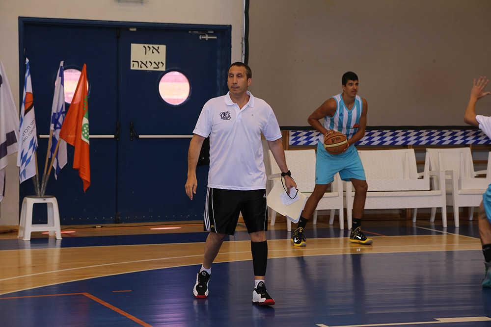 מחנה כדורסל פרו - שחקן אמיתי
