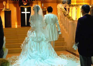 結婚式の「オープニングムービー」は格安の【Ritter】へ- 結婚式で前撮り写真のお披露目しませんか?-