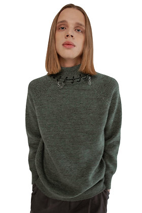 SWEATER WITH BUILT-IN RECYCLED WIRE CHOKER