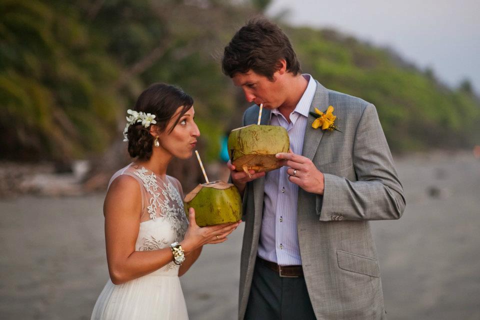 Hillary-Kevin-beach-wedding