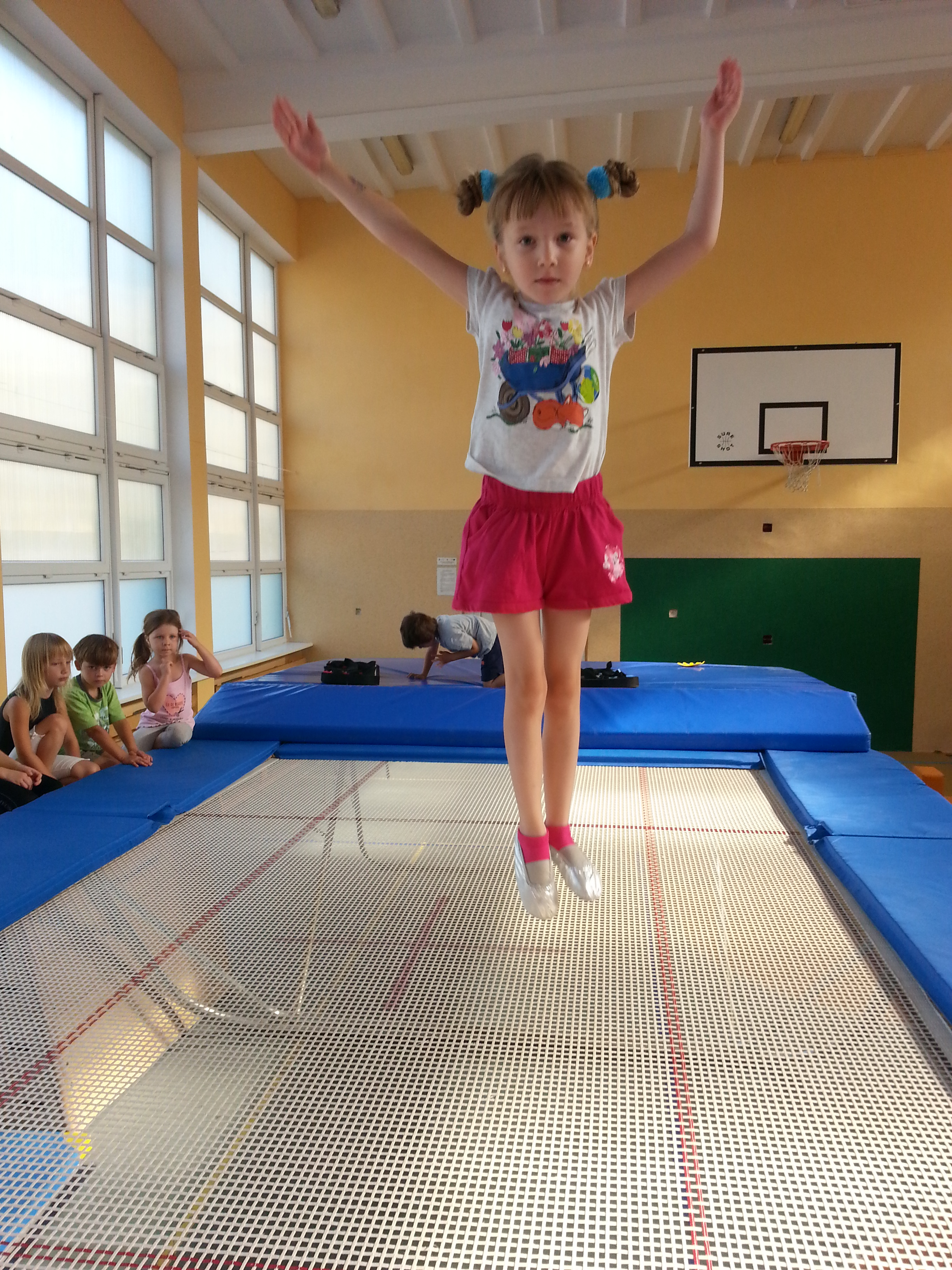 skoki na trampolinie- pl. Muzealny