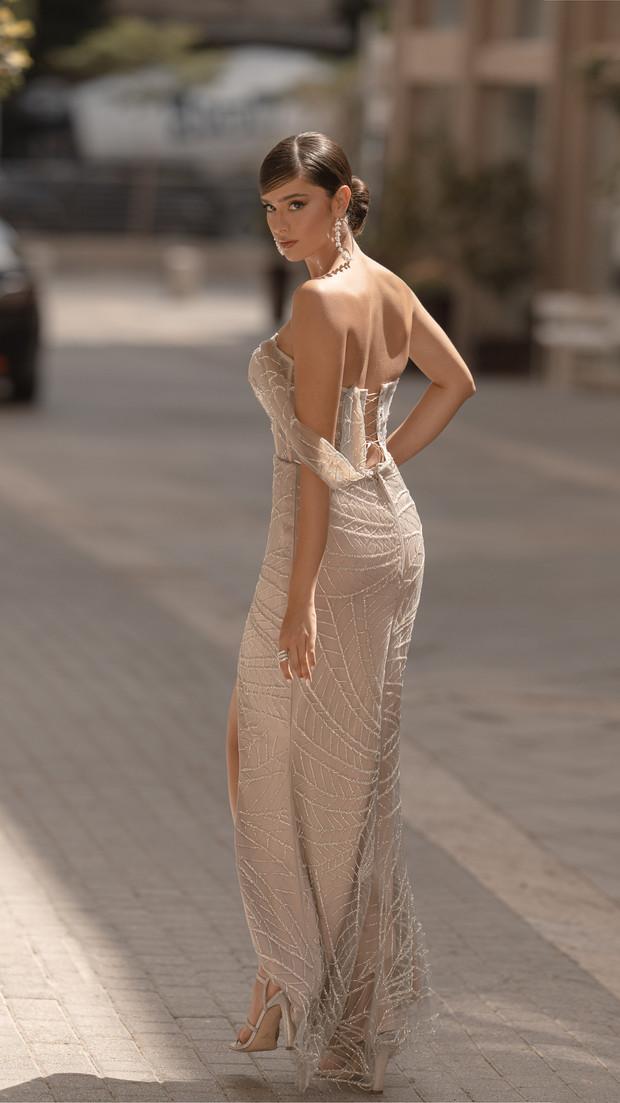 שמלת ערב קולקציית 2020 מאחור