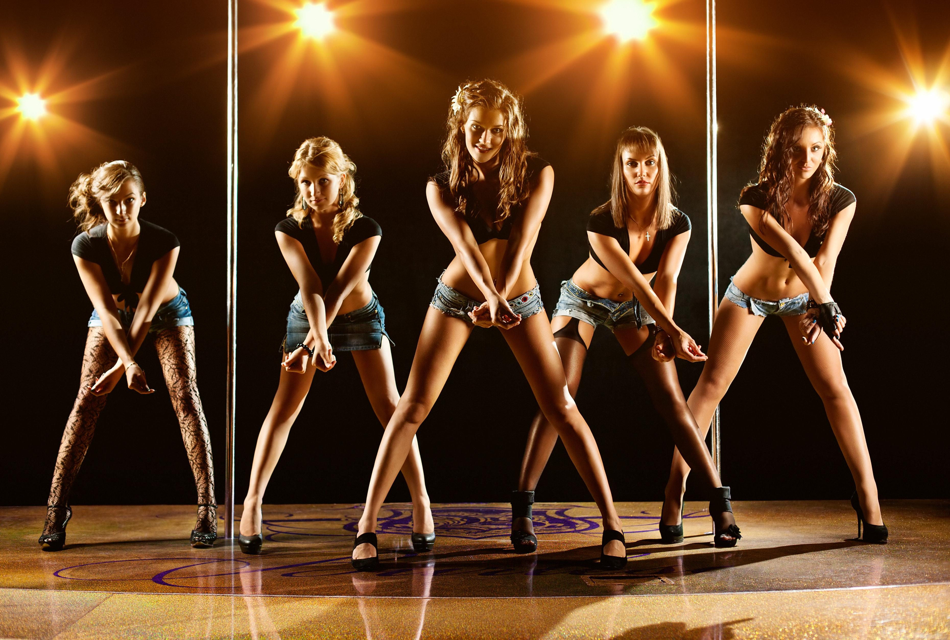 Танцы для взрослых женщины видео, как студентки бреют лобки видео