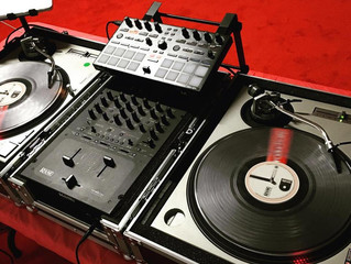 10 Questions to Ask Your DJ Before Hiring Them