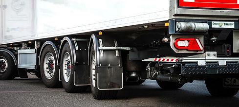 2464_greensteering-truck.jpg