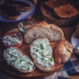 Brot_und_Aufstrich.jpg