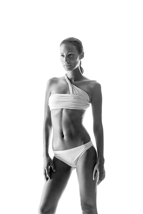 Endermologie for fat reduction and contouring and sculpting the body slim