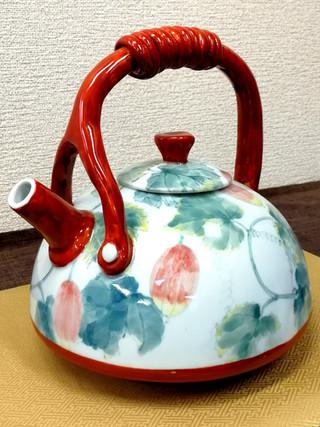 烏瓜図飾土瓶
