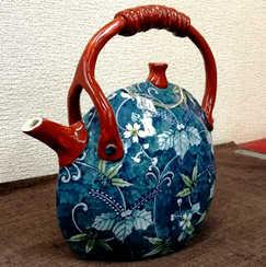 桐竹桜唐草飾土瓶