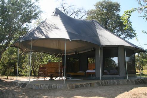 safari tent 3 (2).JPG