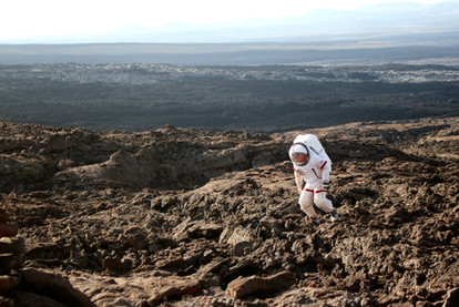 Practicing for Mars walks, Hawaii