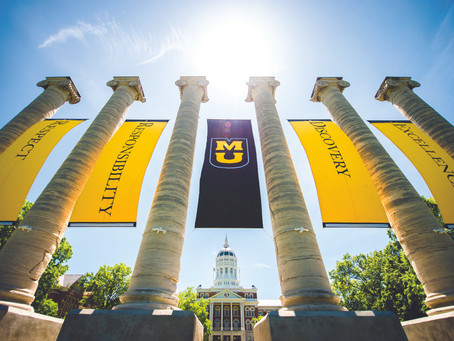 THE UNIVERSITY OF MISSOURI HIGH SCHOOL AND THE AMERICAN COLLEGE IN SPAIN SIGN A AGREEMENT