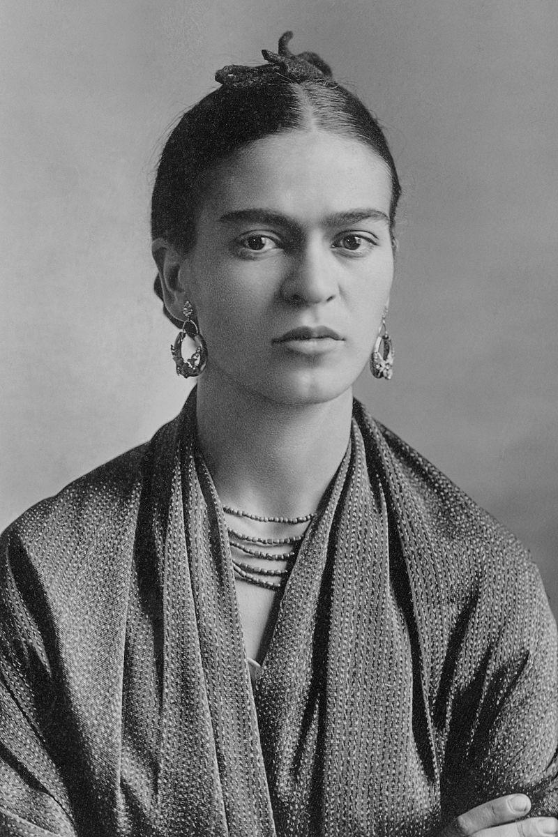 Retrato em preto e branco de Frida kahlo