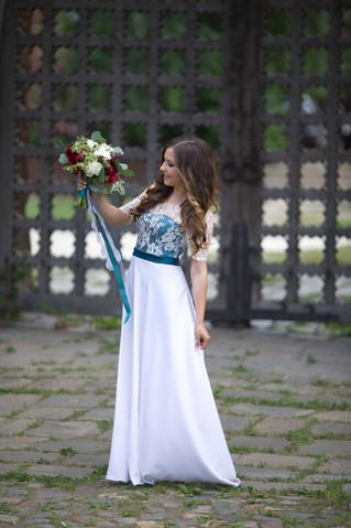 Букет с пионами в цвете марсала