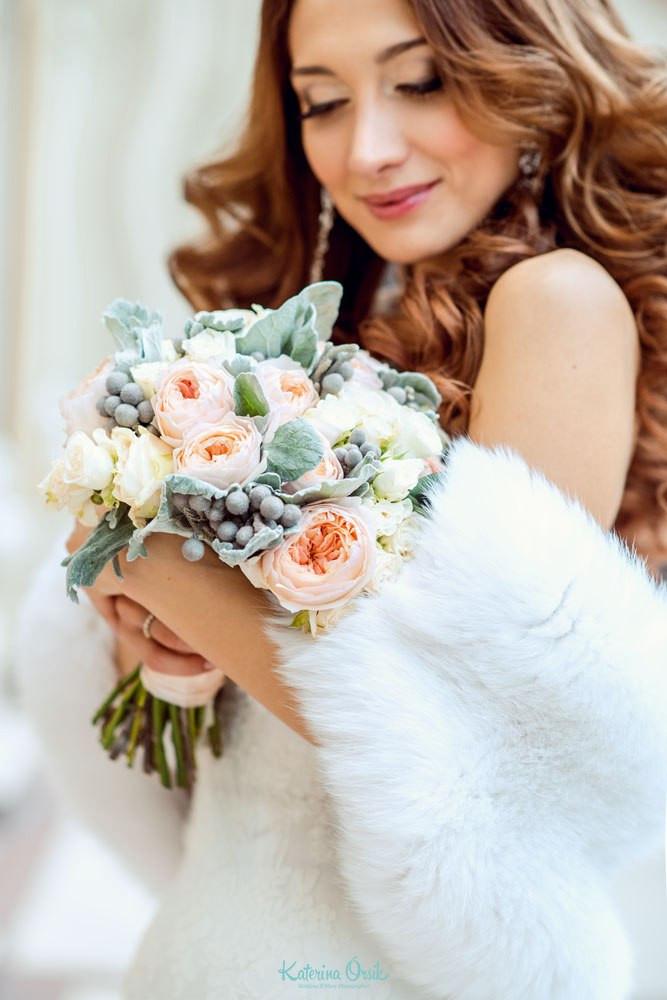 зимний букет невесты с брунией