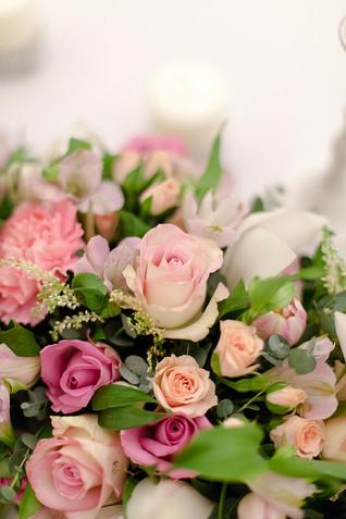 Оформление свадьбы цветами в розовом цвете