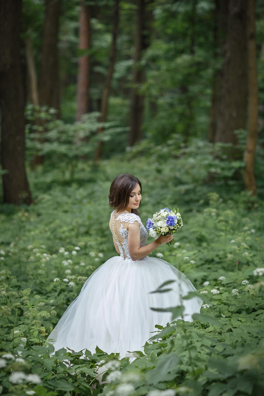 букет невесты лето голубой белый