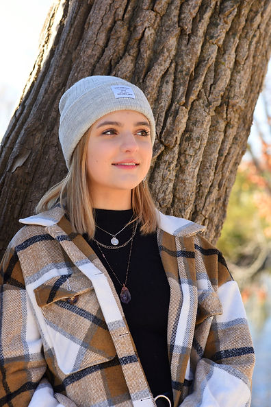 Delafield Wisconsin Senior Photography, Girl in Hat, Blue Angelique Photography, Waukesha