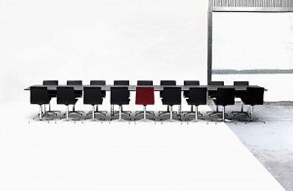 Gate stort konferencebord med shakerstel