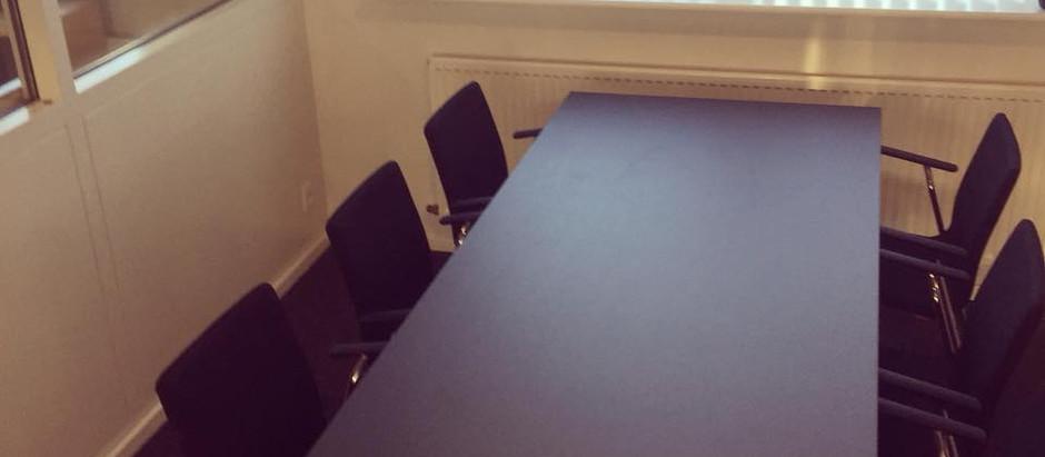 Mødebord til 6 personer