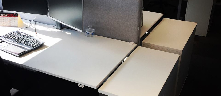 3 komplette ergonomiske arbejdspladser
