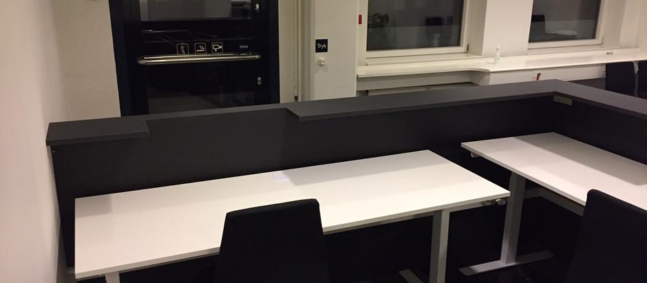 Plads til 2 arbejdspladser