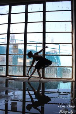 Ballerina in Industria.jpg