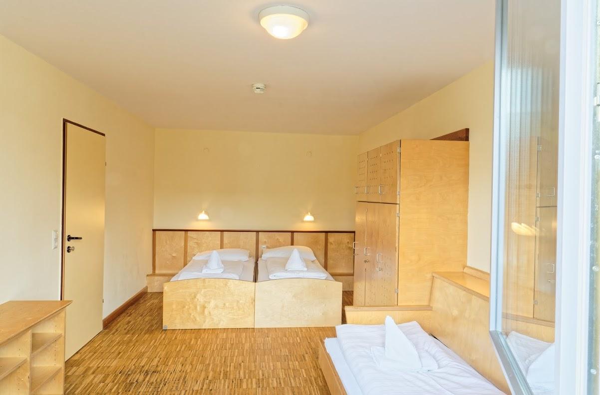 Velden-Dreibettzimmer-Haupthaus-01