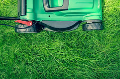 Lawn-Mower-lawn-maintenance-services-image