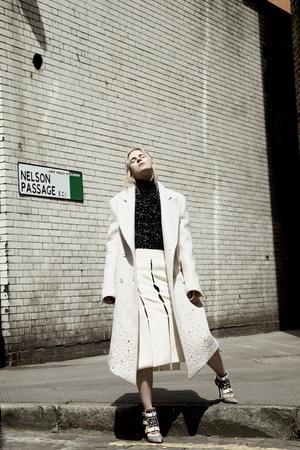 sevda_albers_fashion_413.jpg.5000x1200_q
